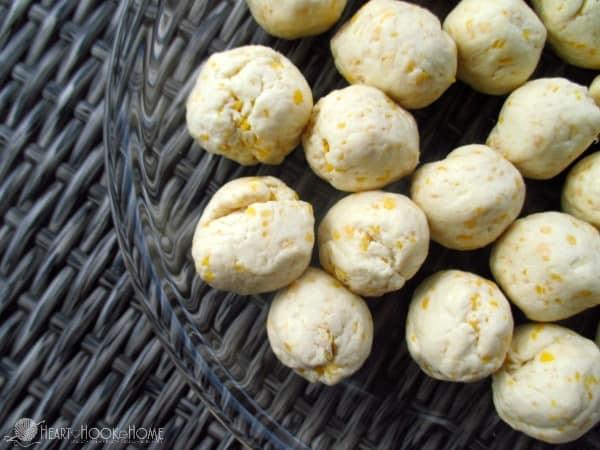 Cinnamon Caramel Dough Balls