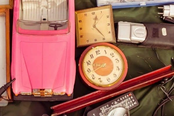 38 Simple Garage Sale Tips for Having a Better Yard Sale