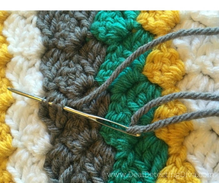 How to Weave in Ends {So They Don't Come Out}