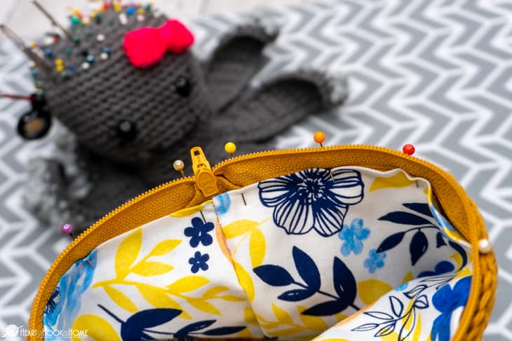 How to sew a lining to a crochet purse