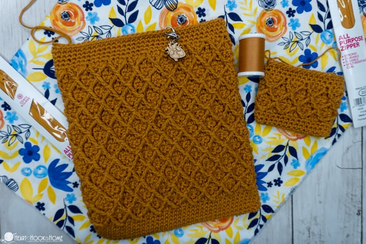 how to sew a lining and zipper to crochet