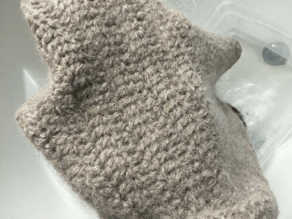 How to Felt a Crocheted or Knitted Piece (with or without a washing machine)
