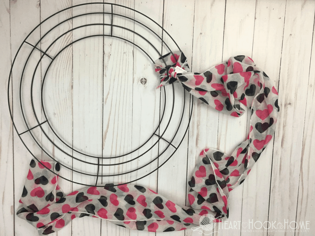 Inexpensive Easy Valentine S Day Wreath Using Items From Dollar Tree