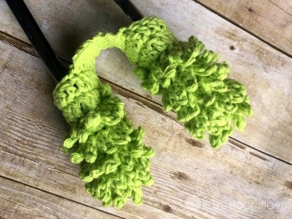 Mini Blind Cleaner Crochet Pattern