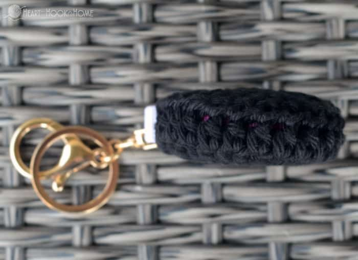 Super cute retractable keychain crochet pattern