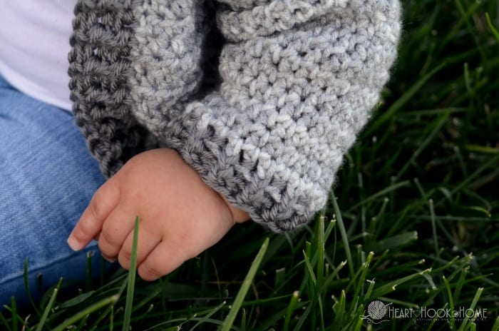 Free infant size crochet hoodie pattern