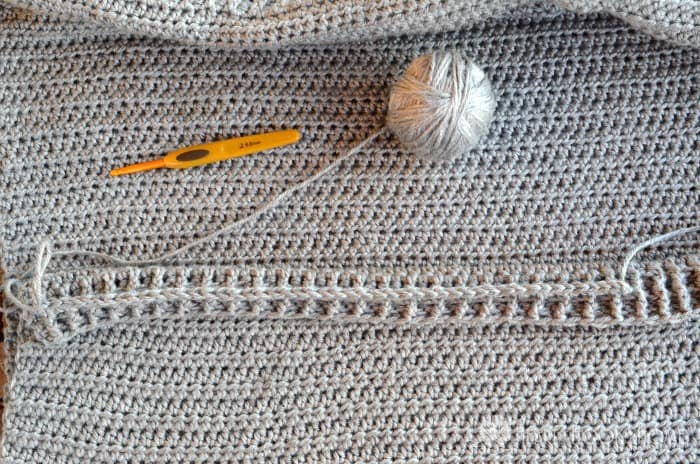 How to add a zipper to a crochet cardigan