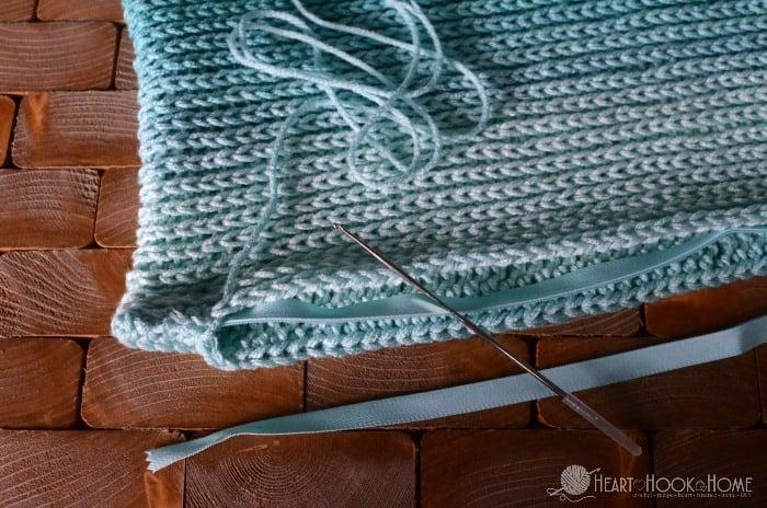 Adding a zipper to a crochet pillow cover