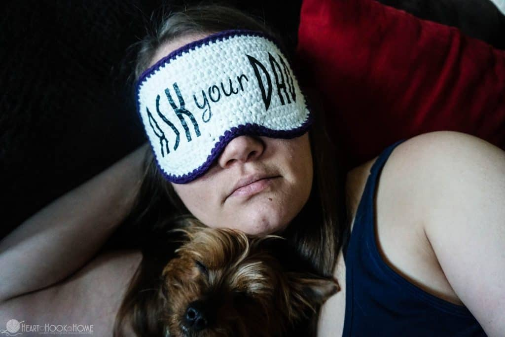 How to make a crochet sleep mask