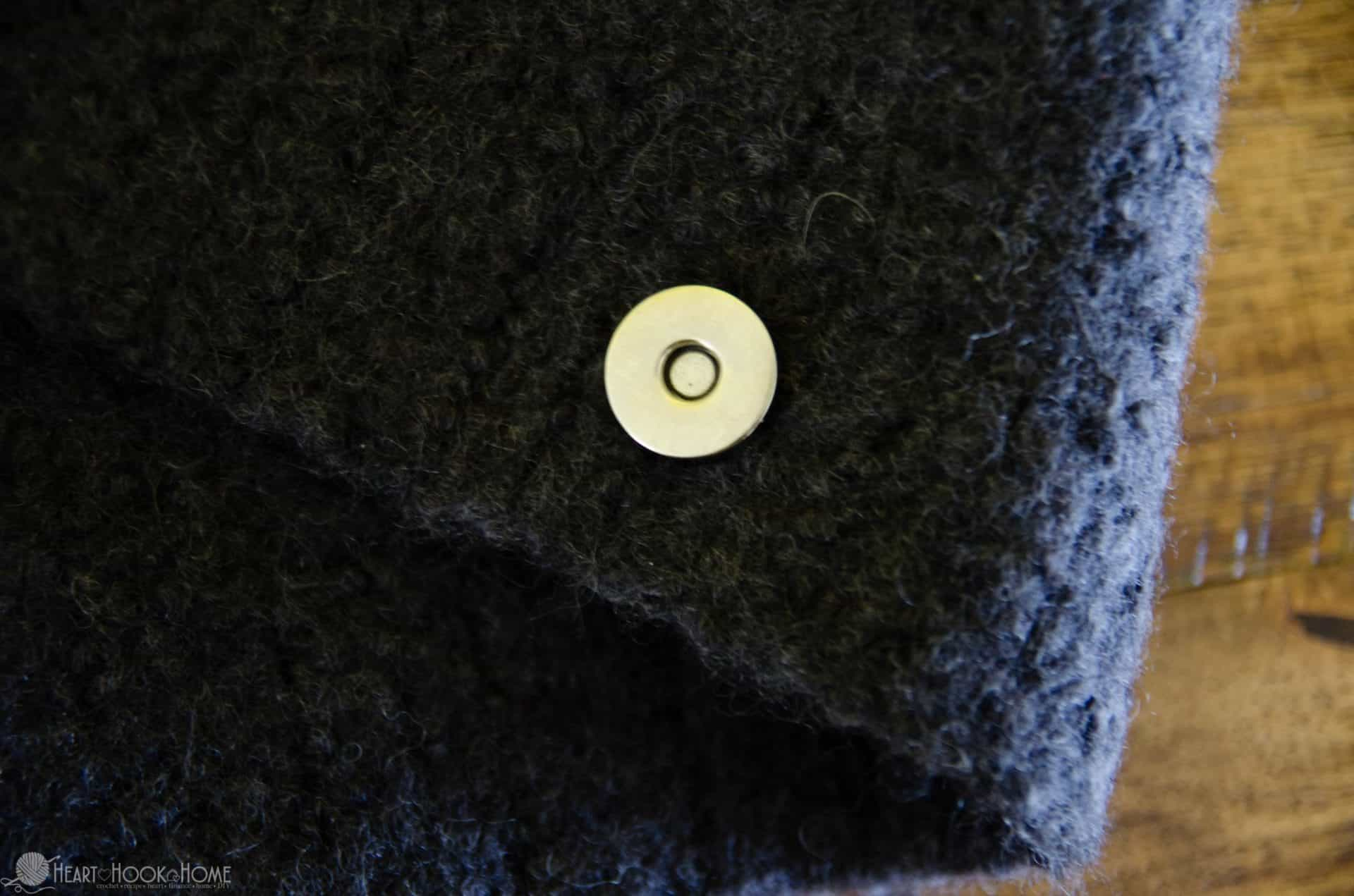 Magnetic clasp on crocheted and felted piece