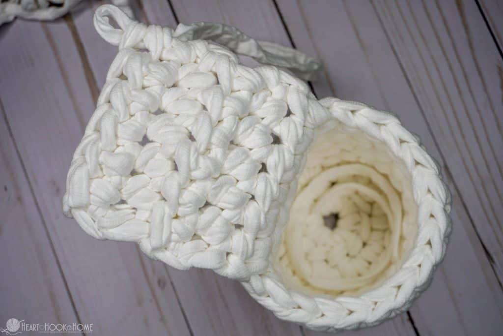 Crocheting hanging baskets for herb garden