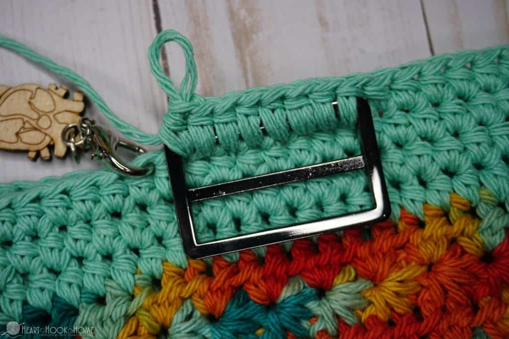 How to add a buckle to a crochet bag