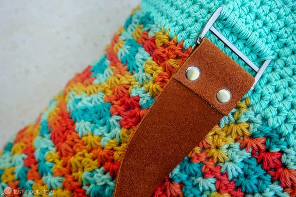 Crocheting straps to a beach bag