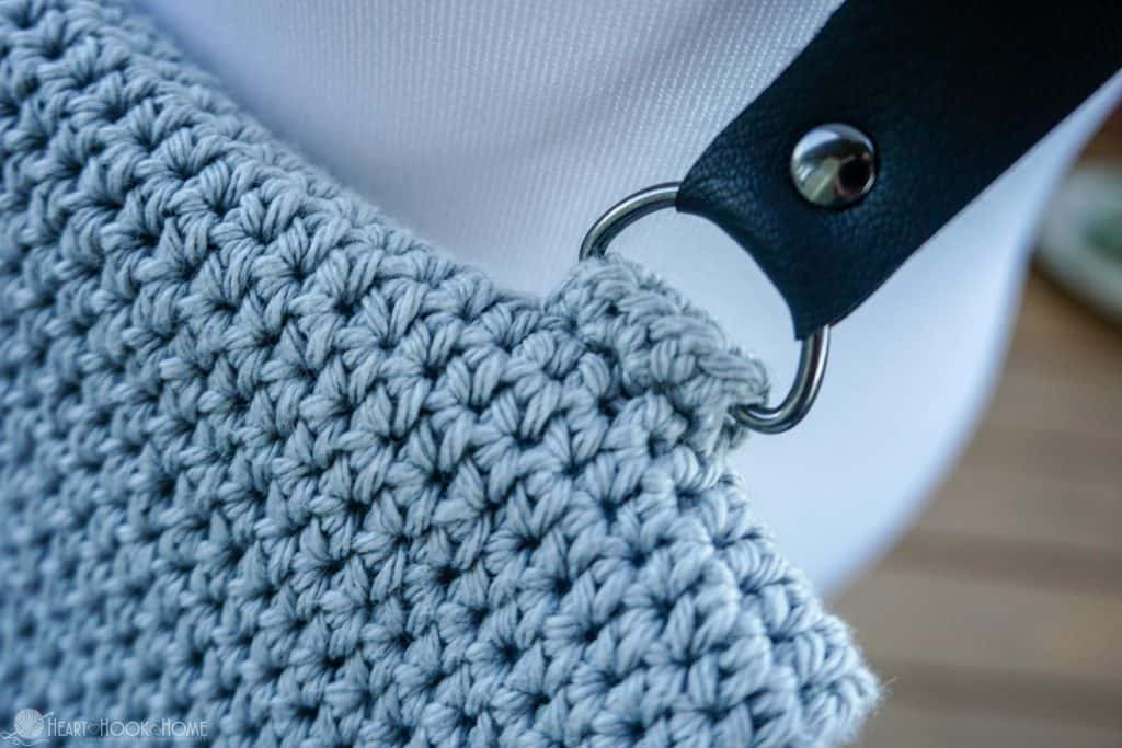 Adding buckles to a crocheted bag