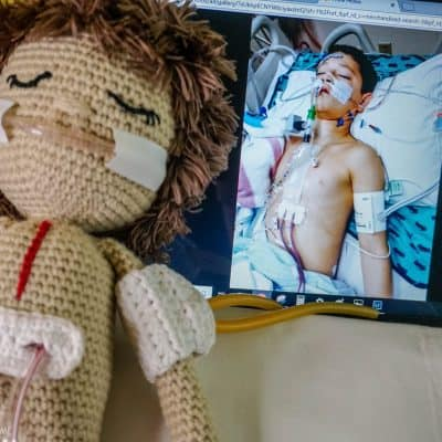 How to crochet a heart surgery doll