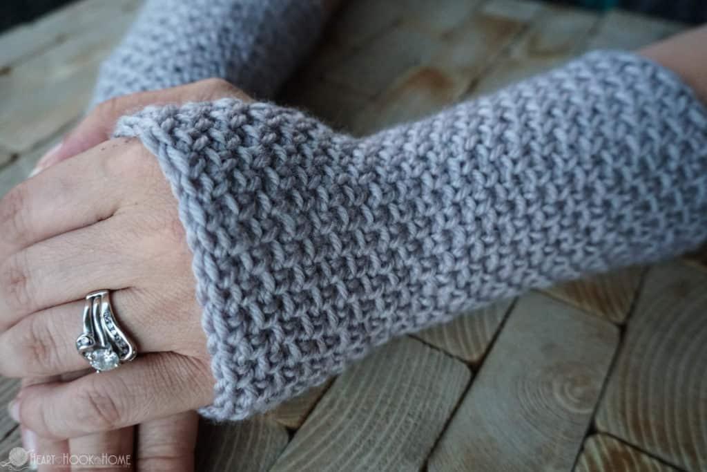 Texting Gloves free crochet pattern