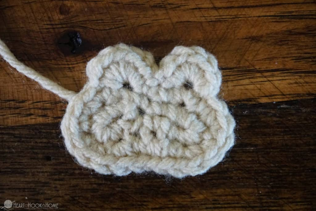creating a monkey face with yarn