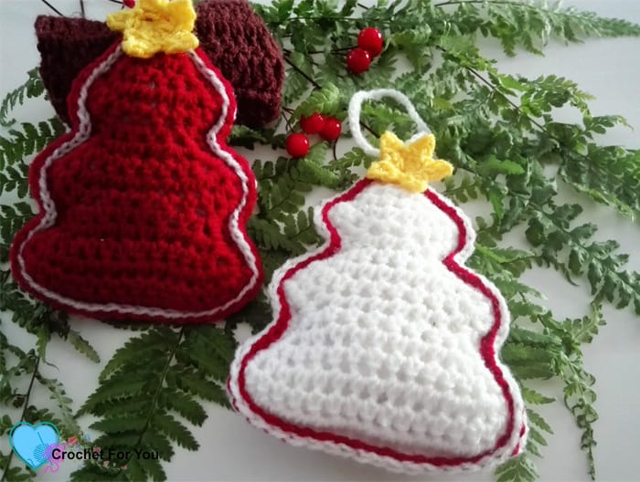13 Adorable Free Christmas Ornament Crochet Patterns