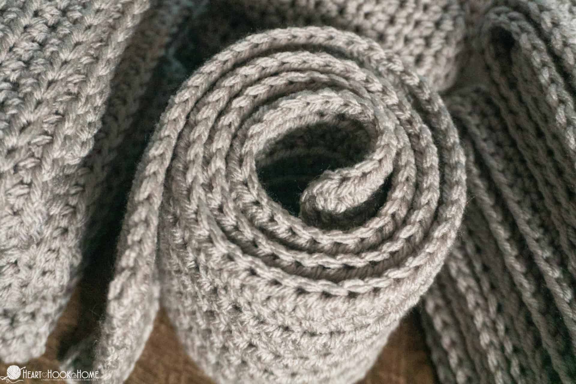 How to crochet a sofa blanket