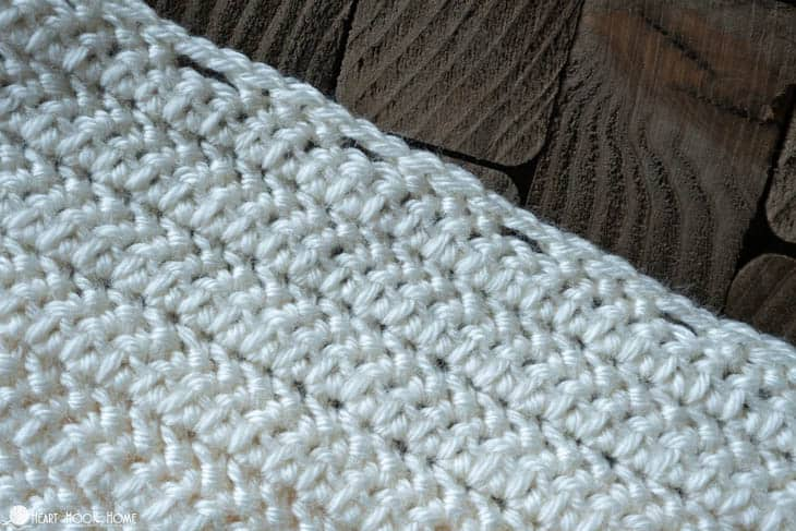 How to create a drawstring opening in crochet