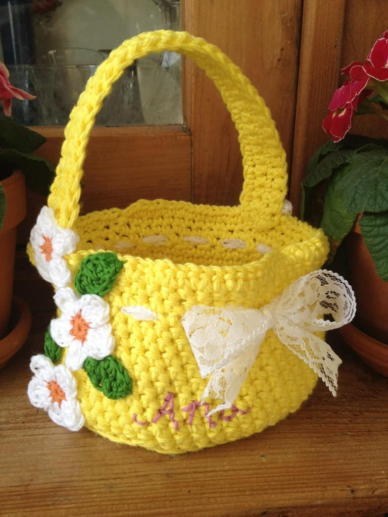 Beautiful and free crochet patterns for Easter