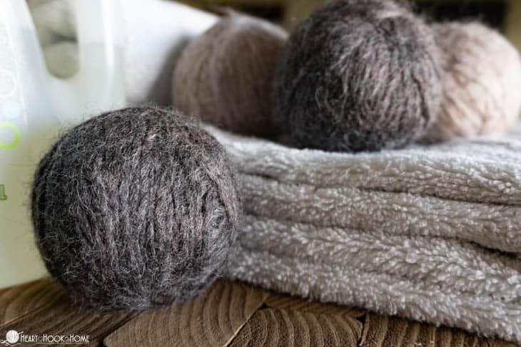 making wool dryer balls
