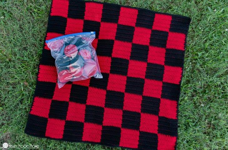 Picnic checkerboard crochet pattern