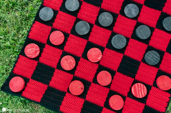 How to crochet a checkerboard