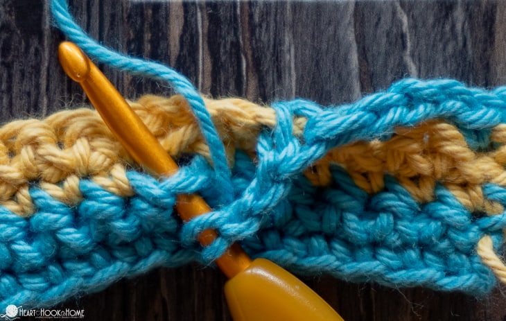 Stitch placement in Greek Key crochet