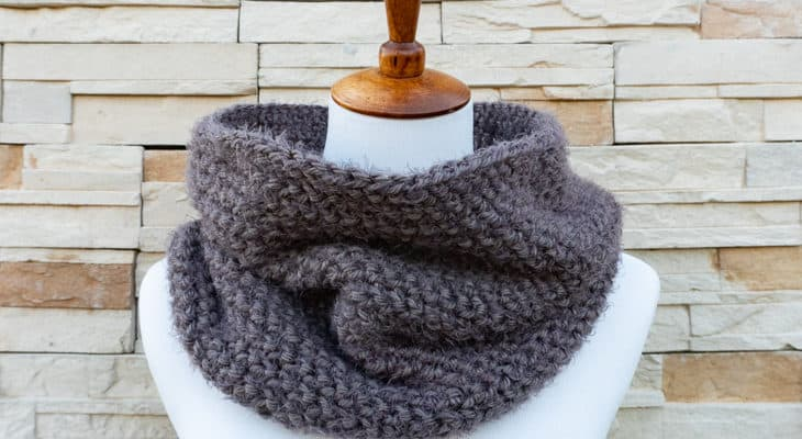 Herringstone cowl crochet pattern