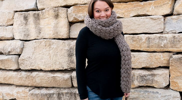 Easy Loop Yarn Scarf Pattern