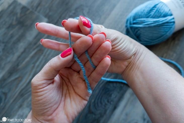 crochet slip knot