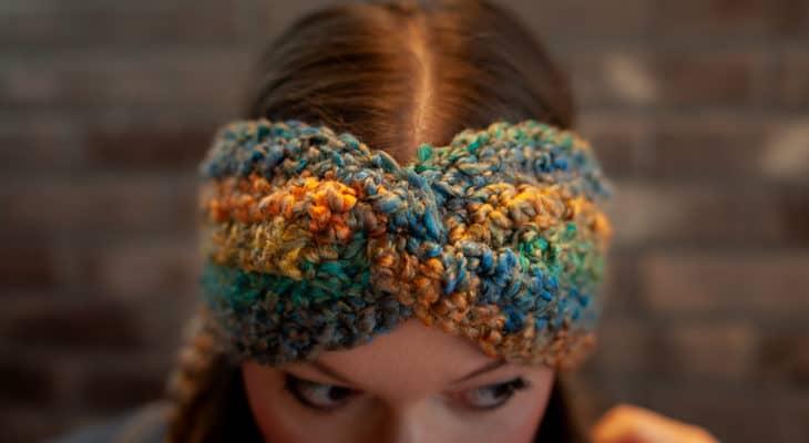Easiest twisted ear warmer free crochet pattern