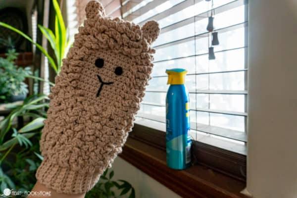Llama dusting mitt crochet pattern