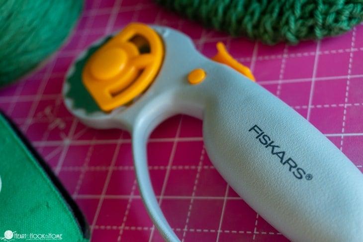 rotary cutter for crochet