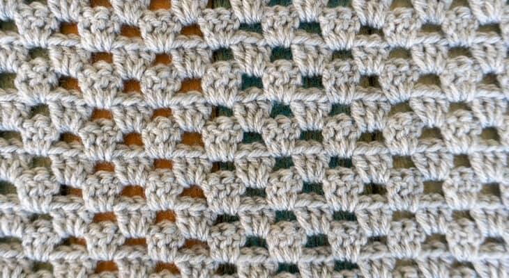 Flat Granny Stitch (in Rows) Crochet Tutorial