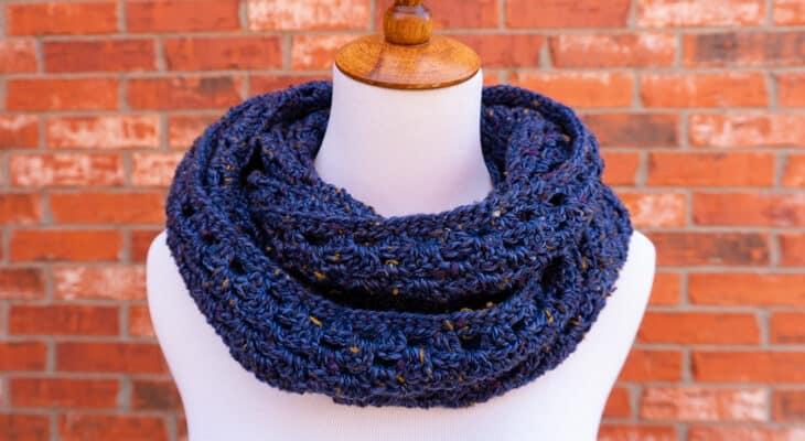 Betty's Infinity Scarf free granny stitch pattern